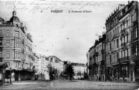 carte postale ancienne de Forest L'avenue Albert