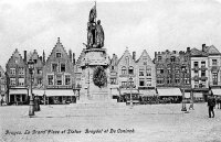 carte postale ancienne de Bruges La Grand'Place et Statue Breydel et De Coninck